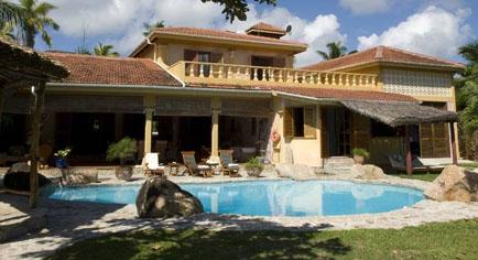 城堡海灘酒店 Castello Beach Hotel
