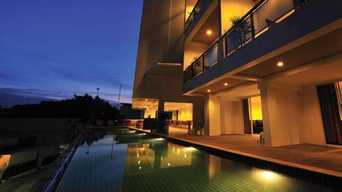 莱蕾度假酒店  Lae Lay Suites