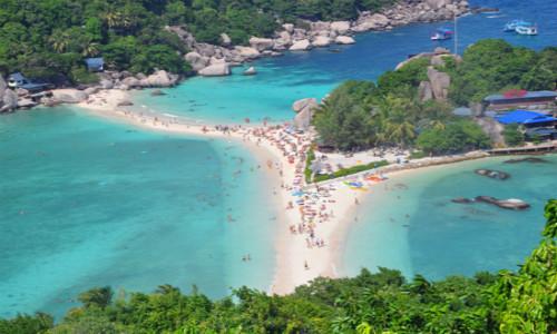 住宿 苏梅岛悬崖酒店 酒店是四星级,位置很不错,可以看到海,很美